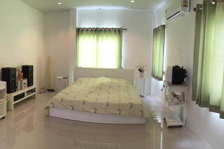 Lovely House in Pranburi - Tambon Khao Noi - บ้าน