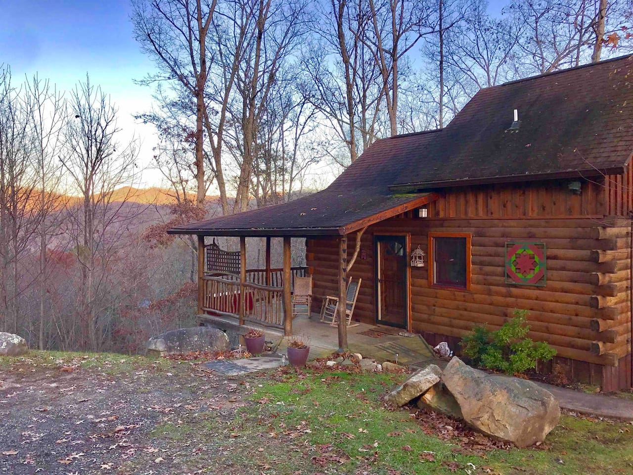 Welcome to the best private cabin on a mountain top in The township of Hot Springs, NC. Direct TV, WiFi, Hot Tub, Gas Fireplace, Outside Fire Pit Patio, Full Kitchen & Bath, 3 beds.