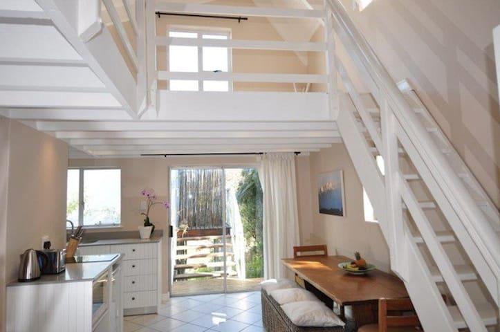 Llandudno Loft flat close to sea - Cape Town - Daire