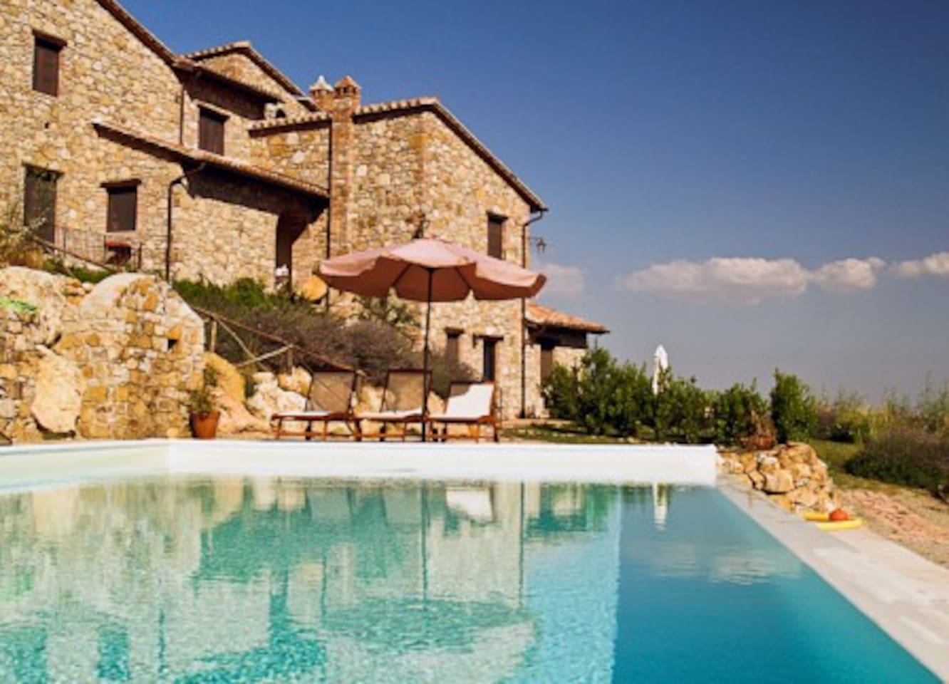 "The panoramic stone farmhouse ""Fontanelle""  and its infinity pool."