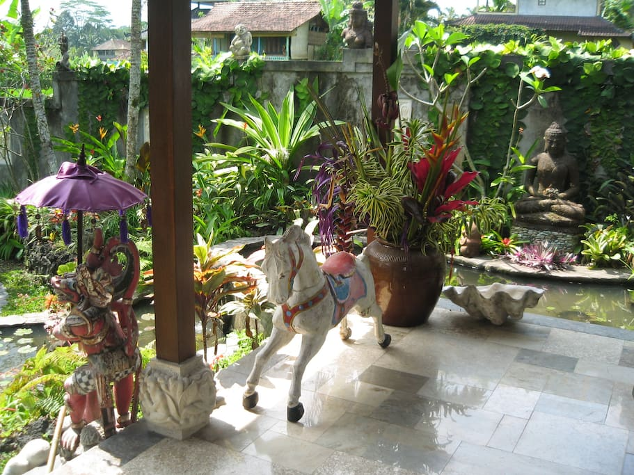 Veranda sculptures and antiques.