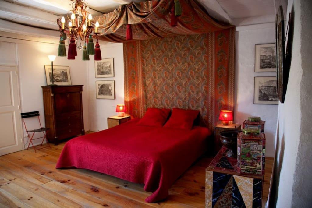 Chambre 2, la chambre rouge