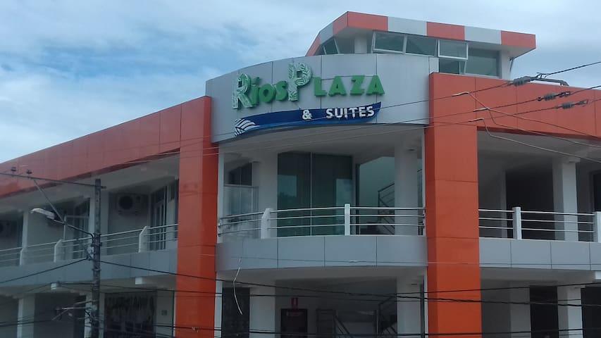 RIOS PLAZA & Suites, lujosas y comodas suites - Tena - Selveierleilighet