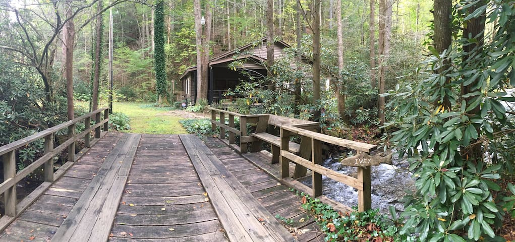 Cabin on the Creek at Moody Hollow
