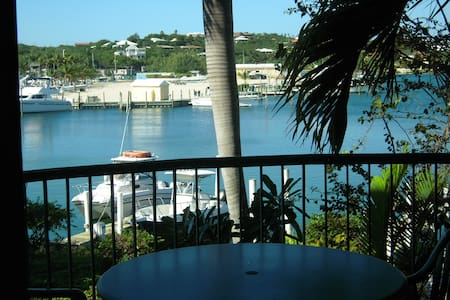 Turks and Caicos - Providenciales - The Yacht Club - Providenciales and West Caicos - Apartment