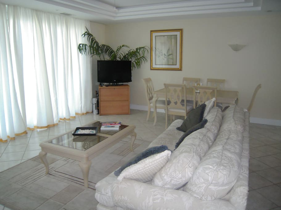 Comfortable lounge with bed sofa - wi fi and cable tv and video