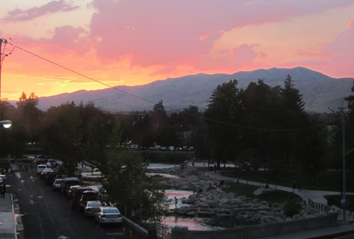 1-bdrm condo on the river in Reno - Reno - Apartment