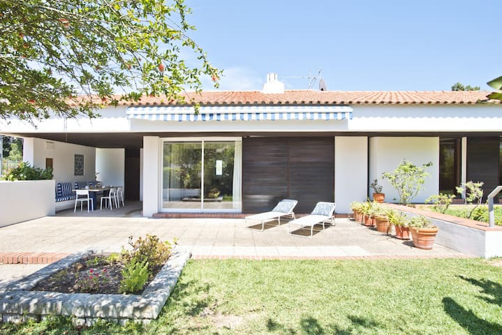 Sesimbra Country Villa (C89)