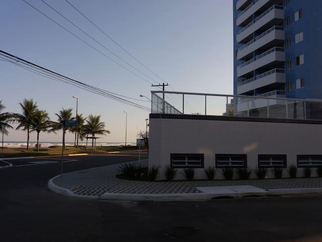 *** Apartamento em Praia Grande Frente ao Mar ***