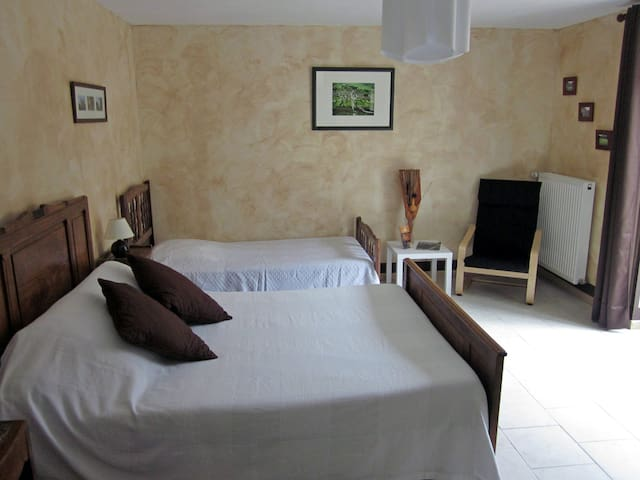 Chambre d'hôte - Antigny - Bed & Breakfast