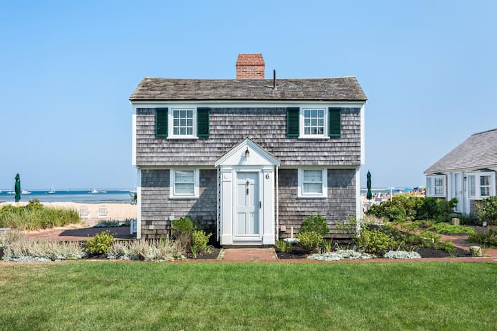 Quintessential Waterfront Cottage w/ Private Beach