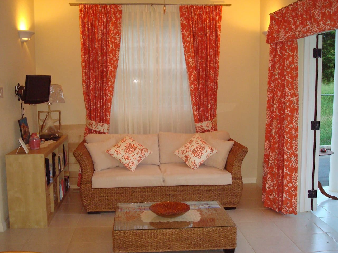 Tropically themed living room