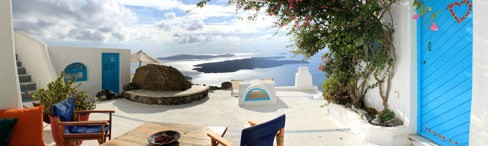 Traditional,Good view,Location!!! - Thira - Huis