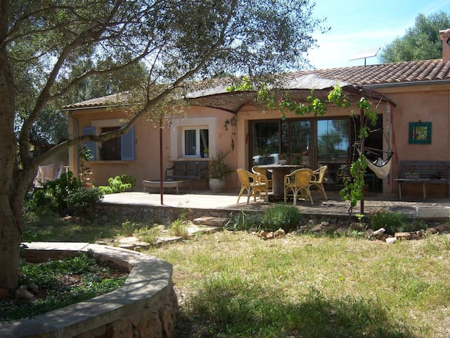 Beautiful  cottage with garden - Santanyí