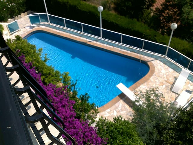 Spectaculaire Flat in Villa 6 pers-privat pool-sea view-WIFI