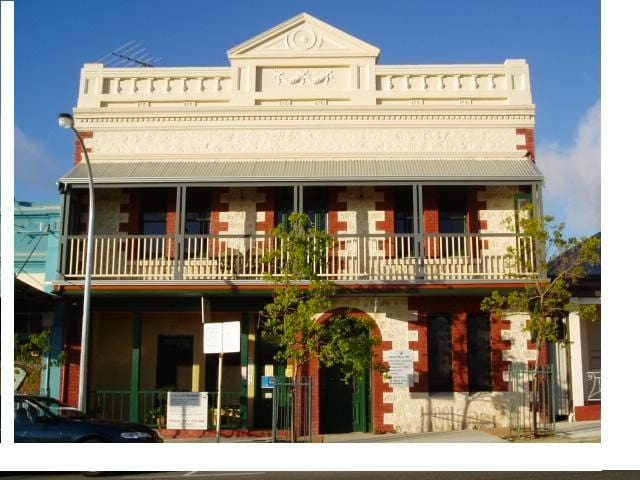 Room in historic Fremantle home  - Fremantle - Rumah