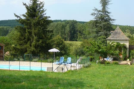 Pigeonnier+private pool in the Tarn - Le Riols