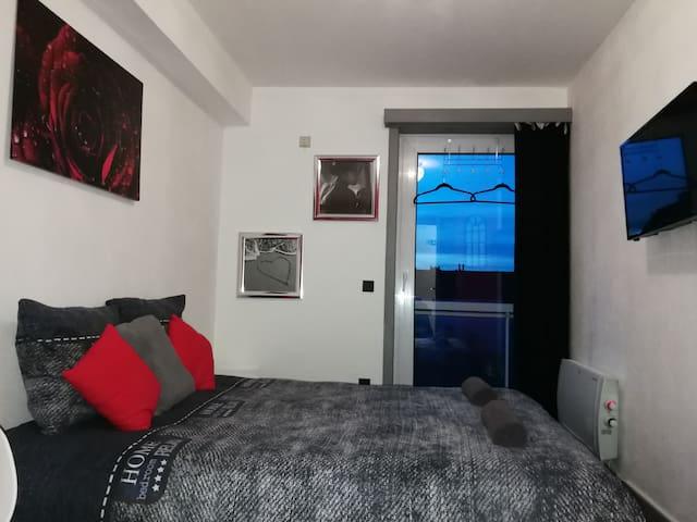 Chambre privée restos/centre/plage/station/Brugge