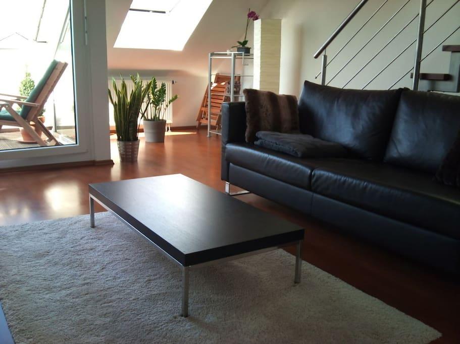 Living room - Wohnzimmer mit Schlafcouch 2x2m