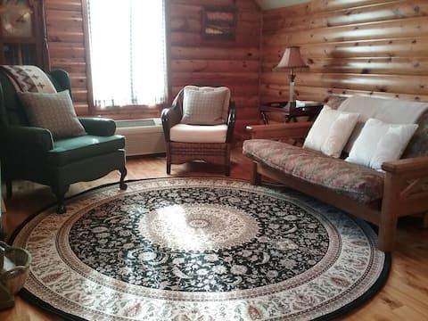 """Cozy """"Cabin"""" entire Apartment"""