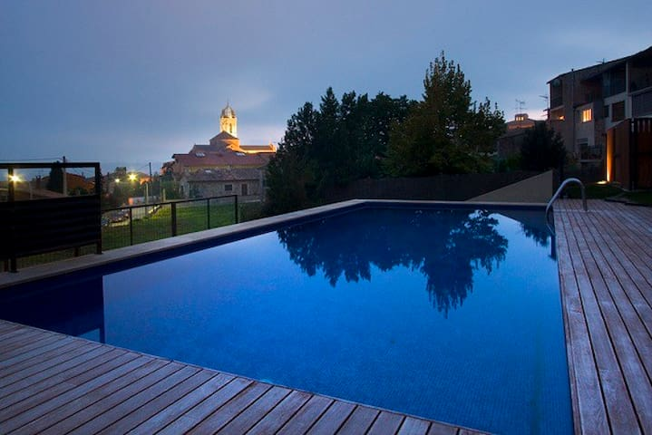 Ground floor with garden and pool - Moià - Apartamento