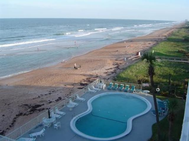 Direct Beachfront Ormond by the Sea - Ormond Beach - Lägenhet