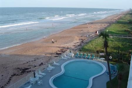 Direct Beachfront Ormond by the Sea - Ormond Beach - 公寓