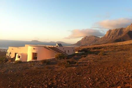 Eco Lodge Famara - Lanzarote - Famara - Villa