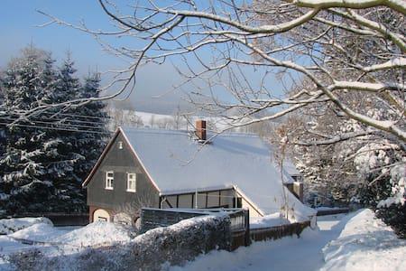 Umgebindehaus in Zittauer Mountains - Waltersdorf - Rumah