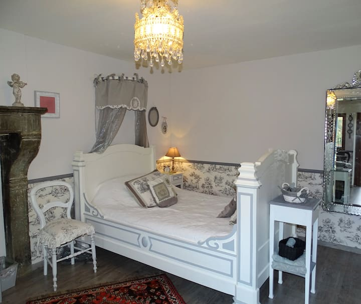 Très belle chambre dans une maison de charme