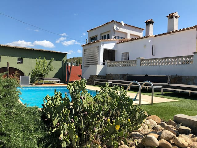 Villa Costa Brava 10 mins from the sea