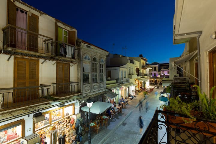 In the heart of the town with a rooftop terrace