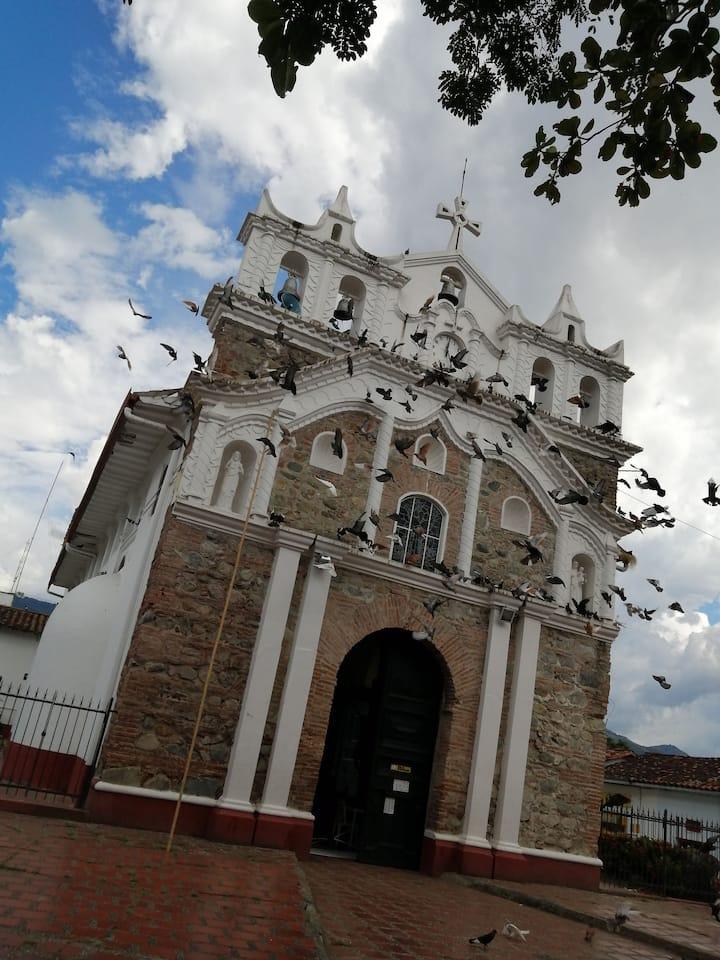 CASA EN EL HISTORICO MUNICIPIO DE ANZÁ