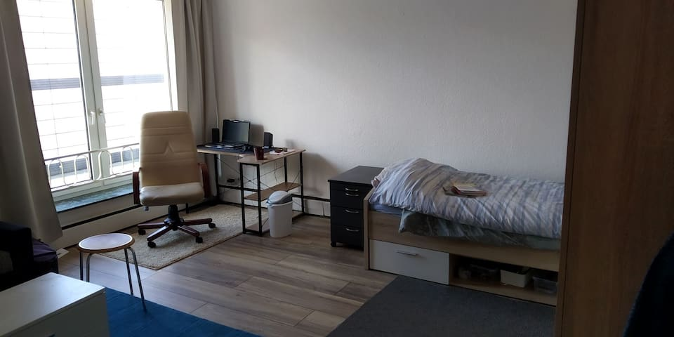 Single room with everything in City Center.