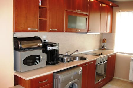 Квартира в 100 м от знаменитого парка и интеротеля - Sandanski - 公寓