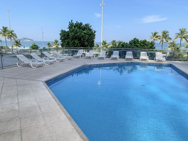 CaviRio - Flat with pool - beach front - Barra da Tijuca (R)