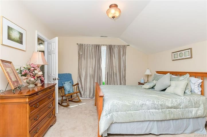 Clean,  Quiet, and Secured Master Bedroom!!!