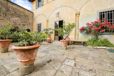 15 minutes from Florence a typically Tuscany villa - ฟลอเรนซ์