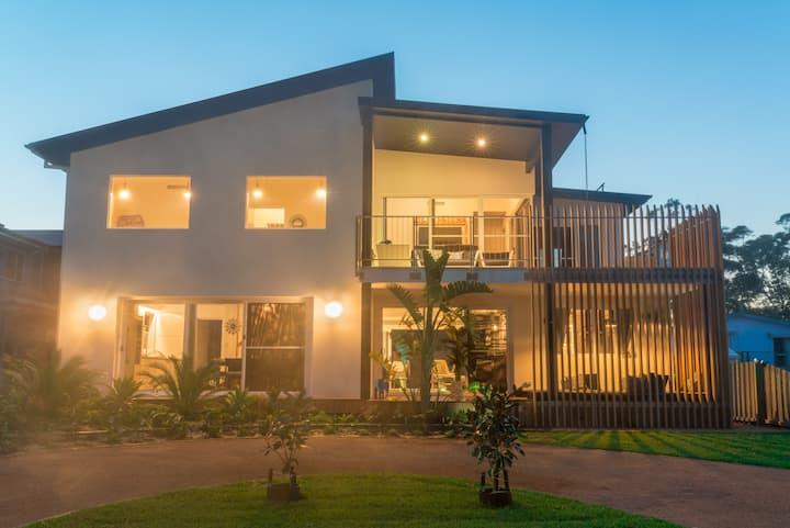 Villa Medusa Luxury Beach House - 150m to beach