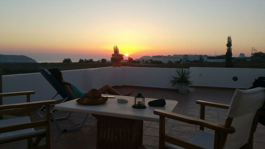 Akron's sunset view studio