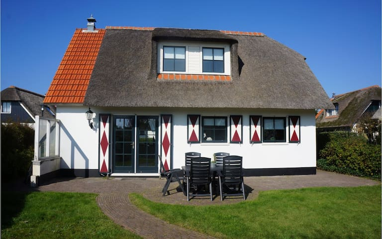 Villa 47on a holiday park in Callantsoog - Callantsoog - Villa