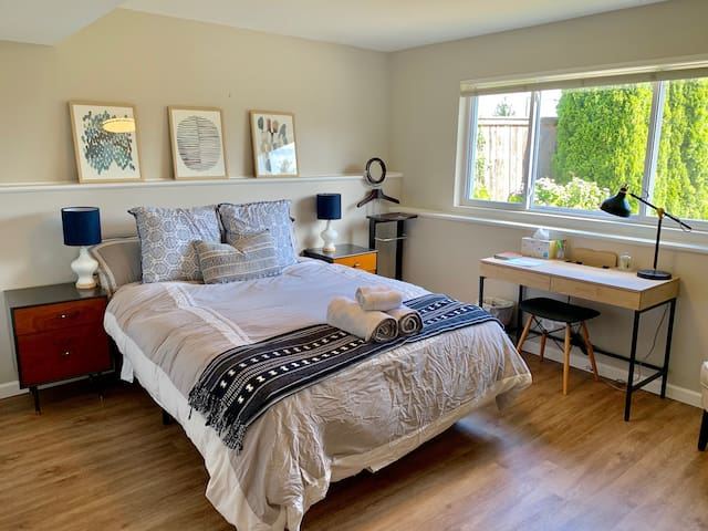 Clean bed in remodeled home close to everything