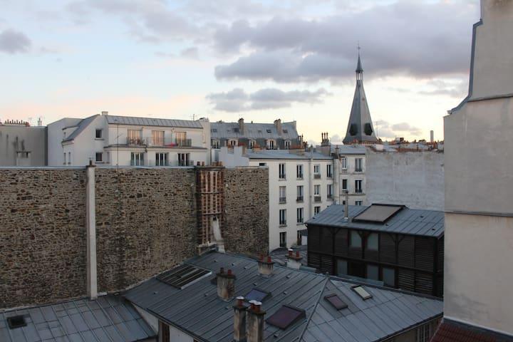 Beautiful flat in central Paris