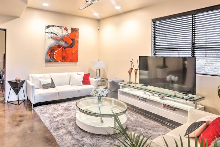 NEW! Modern Sedona Studio w/Patio, Walk to Trails!