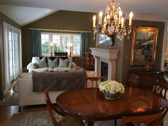 Elegant Wellesley Home away from Home - Wellesley - Casa