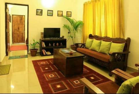 2 brm apt/homestay wid a pvt pool & room service
