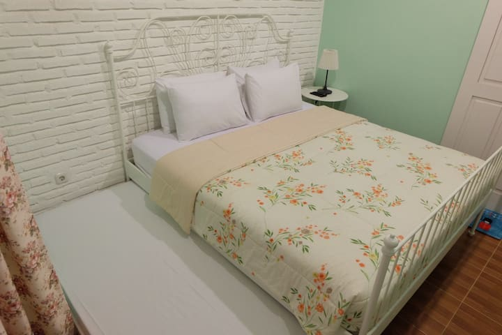 Sweet Peach House - Standard Room with Extra Bed