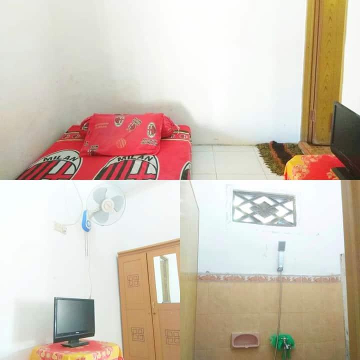 RATNA KOS AC/NONAC,K.Mandi Dalam,WiFi,Parkir Mobil
