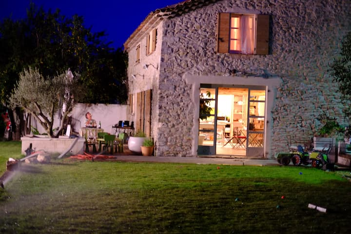 Stone Barn + guest house near Uzes