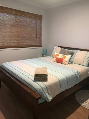 A second queen bedroom. Sleeps 2